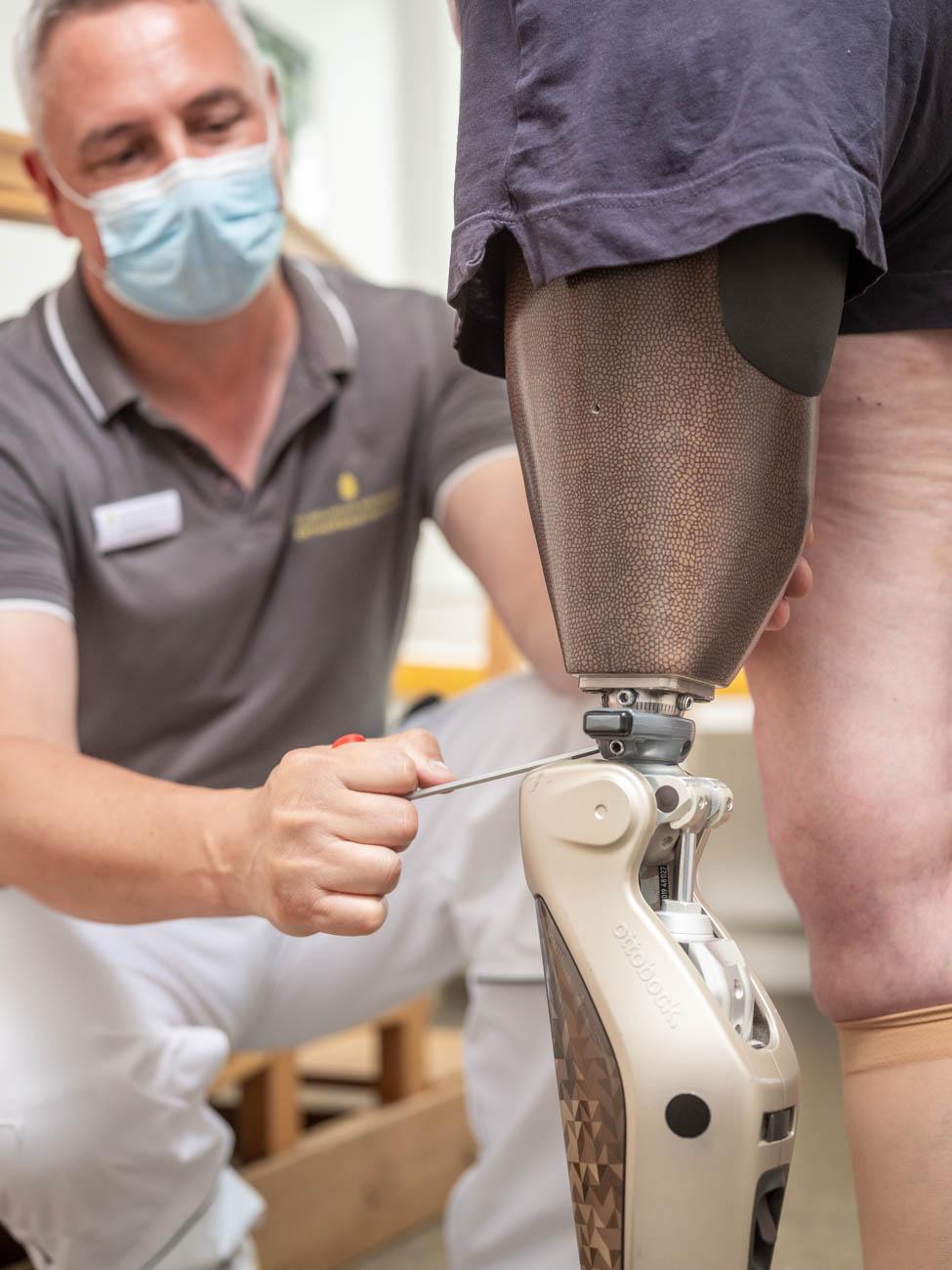 Anpassung Prothese Bein DSF1473